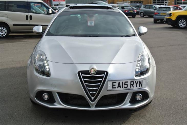 Alfa Romeo Giulietta 2.0 2000 photo - 9