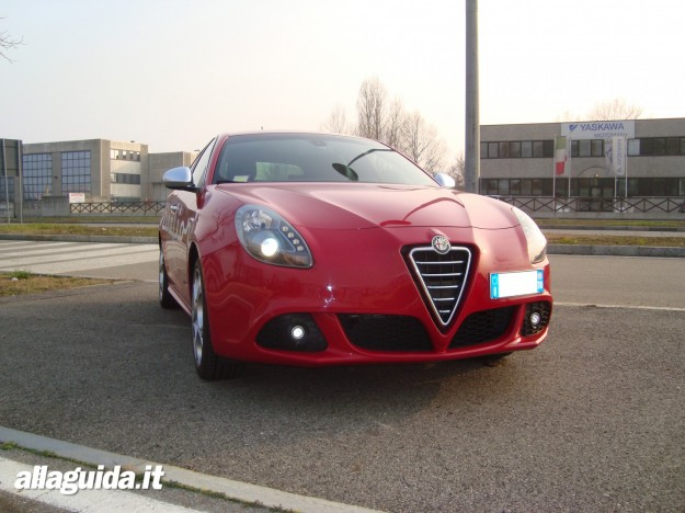 Alfa Romeo Giulietta 2.0 2006 photo - 2