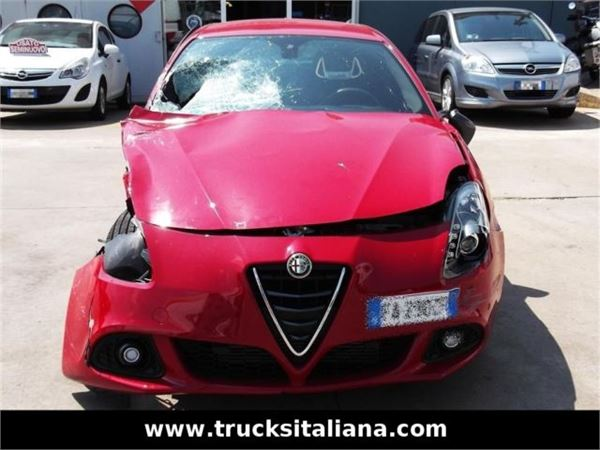 Alfa Romeo Giulietta 2.0 2006 photo - 4