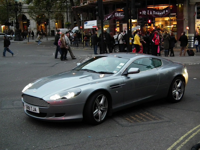 Aston Martin DB9 5.9 2007 photo - 8