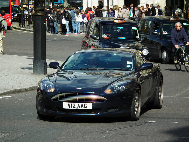 Aston Martin DB9 5.9 2007 photo - 9