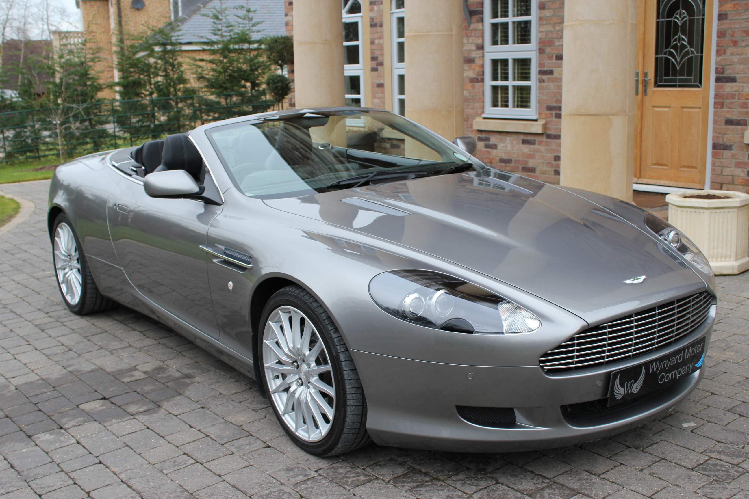 Aston Martin DB9 5.9 2008 photo - 11