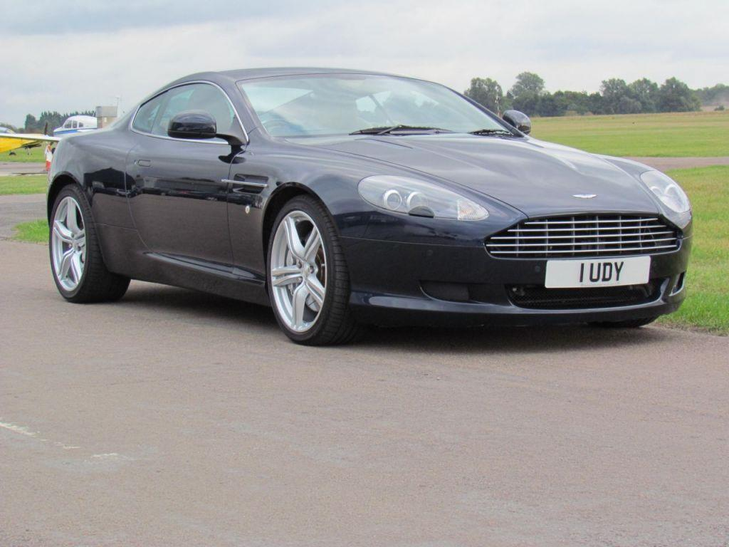 Aston Martin DB9 5.9 2010 photo - 12