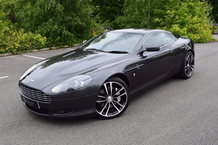 Aston Martin DB9 5.9 2010 photo - 5