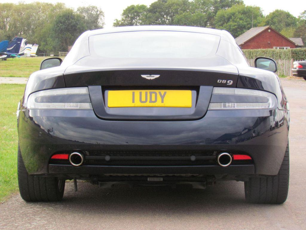 Aston Martin DB9 5.9 2010 photo - 6