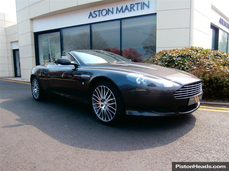 Aston Martin DB9 5.9 2010 photo - 9