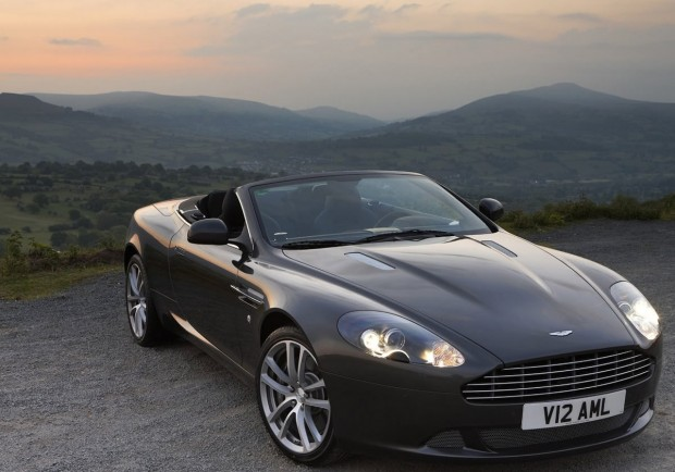 Aston Martin DB9 5.9 2011 photo - 2