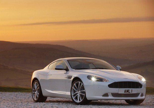 Aston Martin DB9 5.9 2011 photo - 8