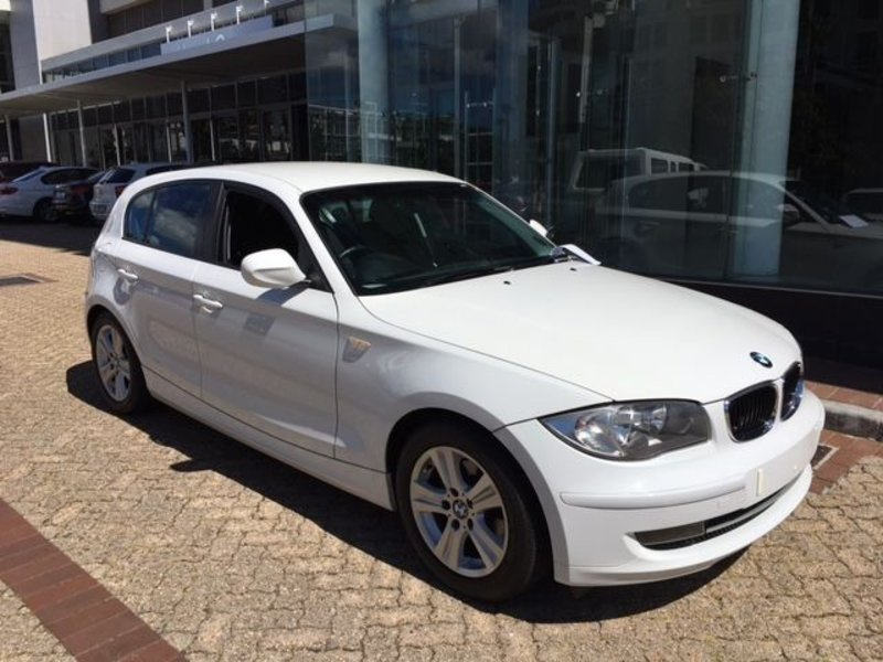 BMW 1 series 116i 2011 photo - 12
