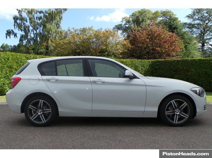 BMW 1 series 116i 2014 photo - 12