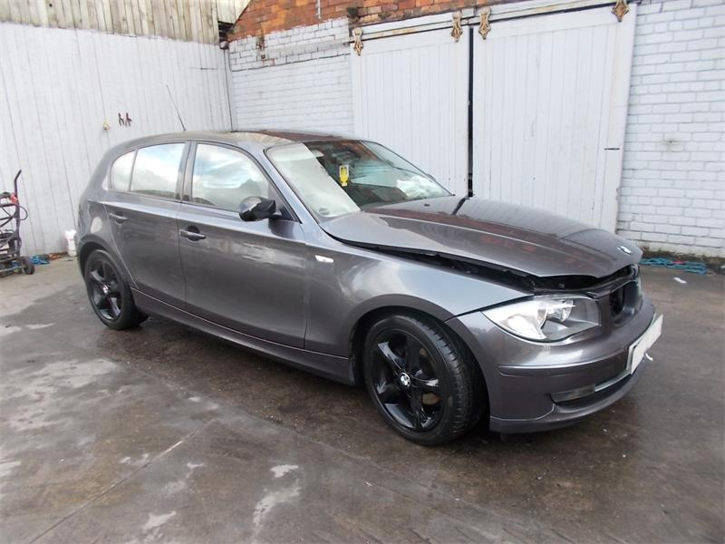 BMW 1 series 118d 2007 photo - 12