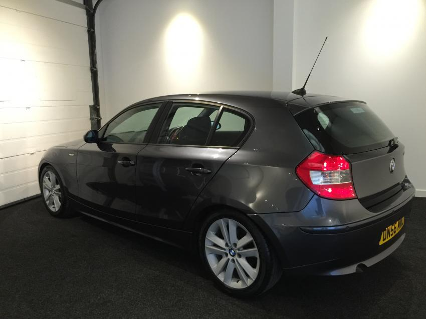 BMW 1 series 118d 2007 photo - 3