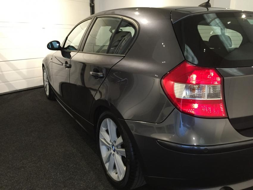BMW 1 series 118d 2007 photo - 5