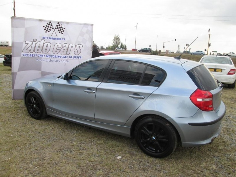 BMW 1 series 118i 2008 photo - 11