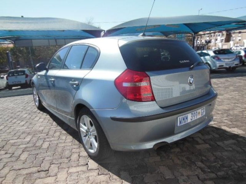 BMW 1 series 118i 2008 photo - 12