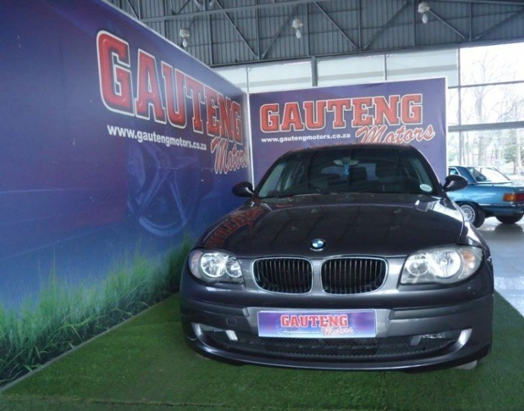 BMW 1 series 118i 2008 photo - 2