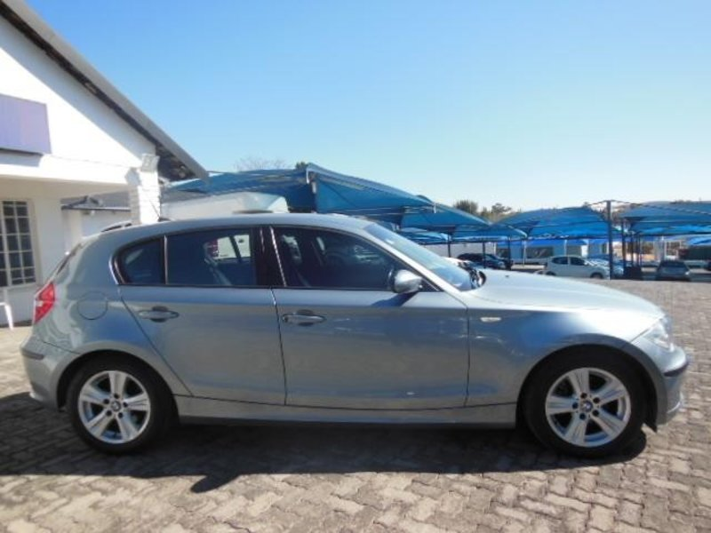 BMW 1 series 118i 2008 photo - 7