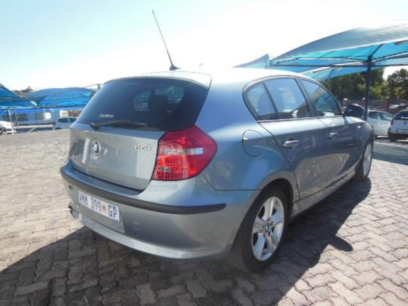 BMW 1 series 118i 2008 photo - 8