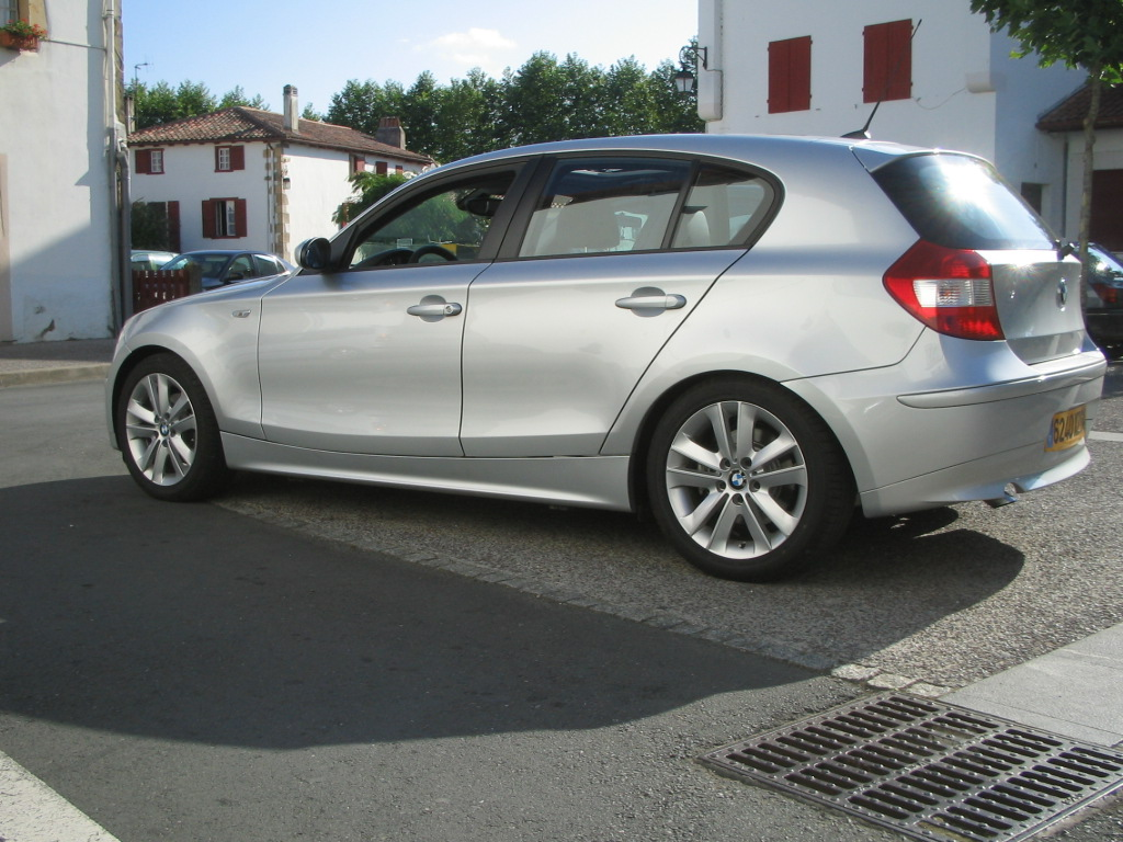 BMW 1 series 120d 2004 photo - 2