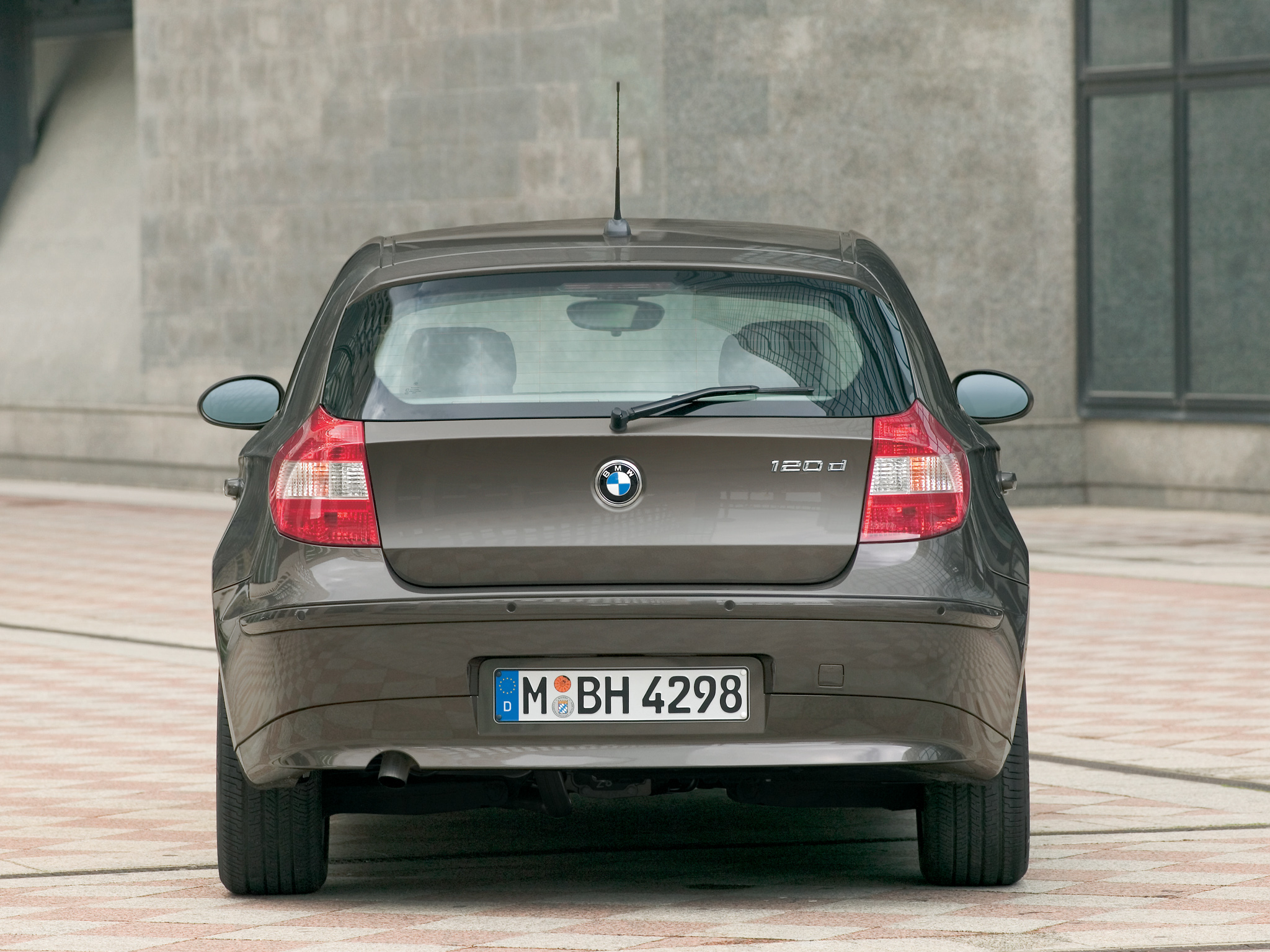 BMW 1 series 120d 2004 photo - 4