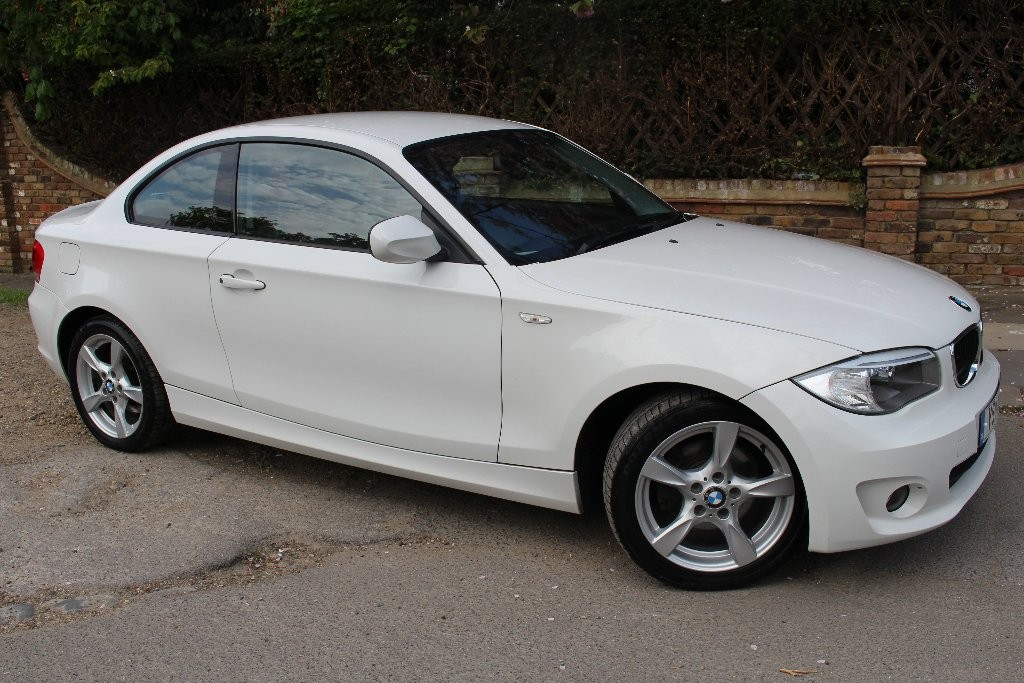 BMW 1 series 120d 2011 photo - 12