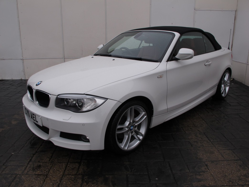 BMW 1 series 120d 2011 photo - 5