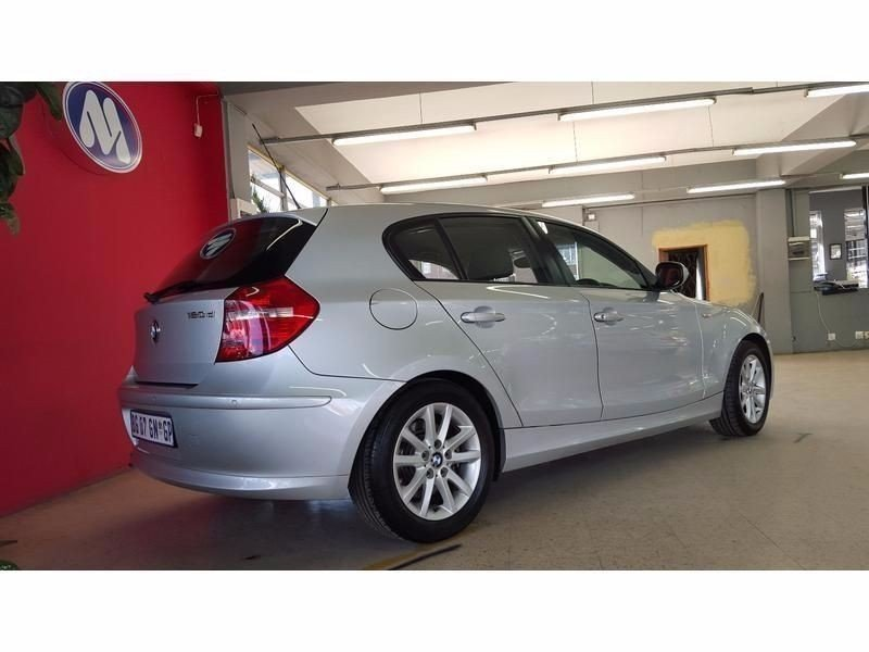BMW 1 series 120d 2011 photo - 6