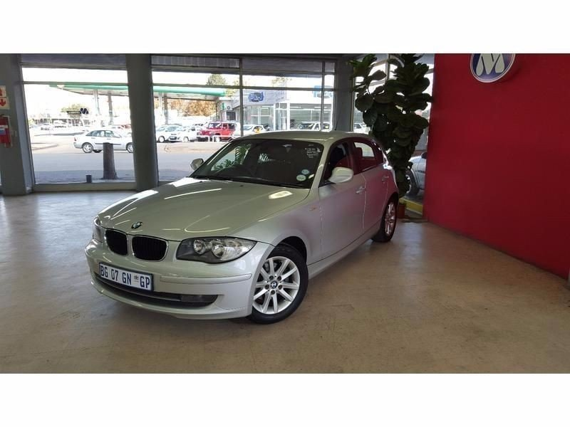 BMW 1 series 120d 2011 photo - 8