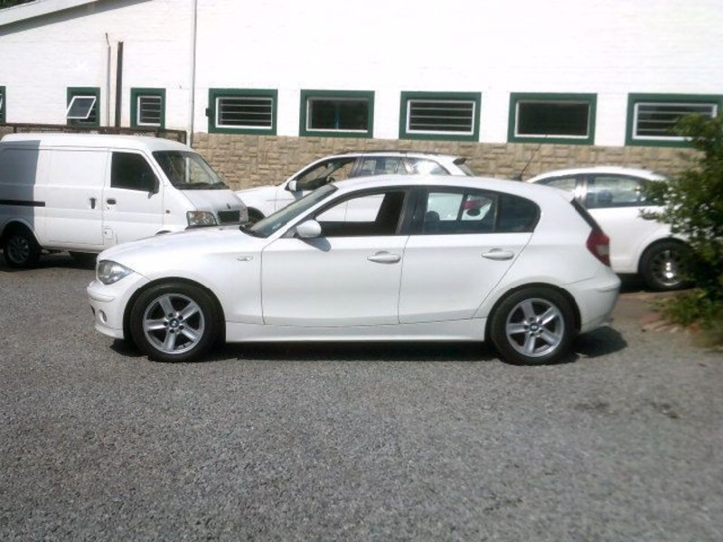 BMW 1 series 120i 2006 photo - 4