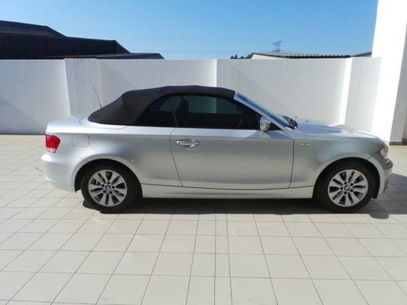 BMW 1 series 120i 2010 photo - 9