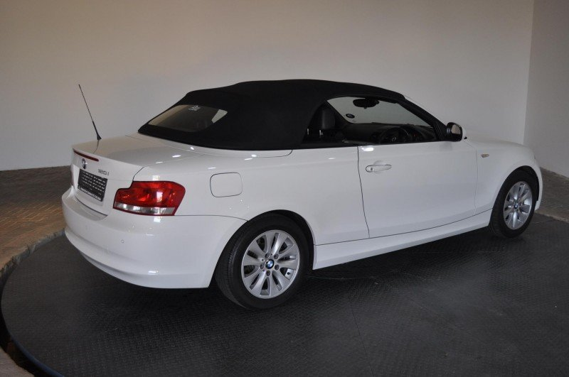 BMW 1 series 120i 2012 photo - 12