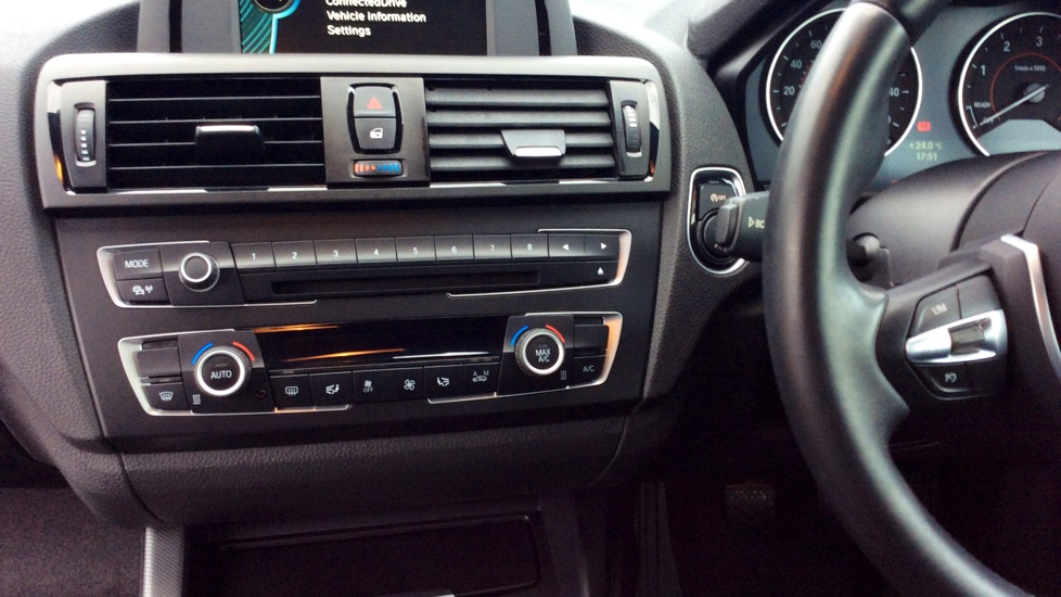 BMW 1 series 125d 2014 photo - 5