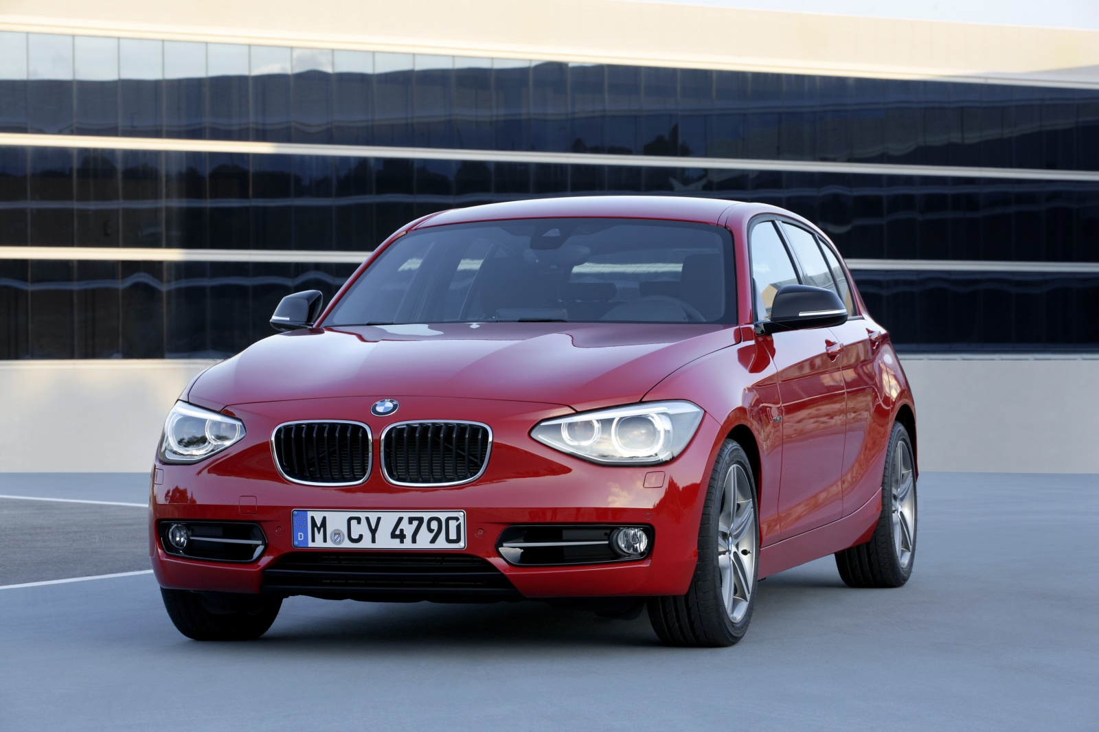 BMW 1 series 135is 2011 photo - 11