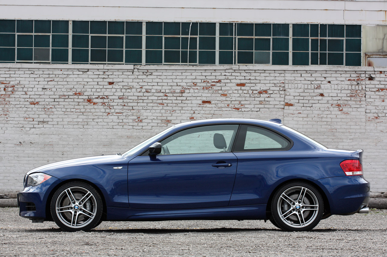 BMW 1 series 135is 2011 photo - 12