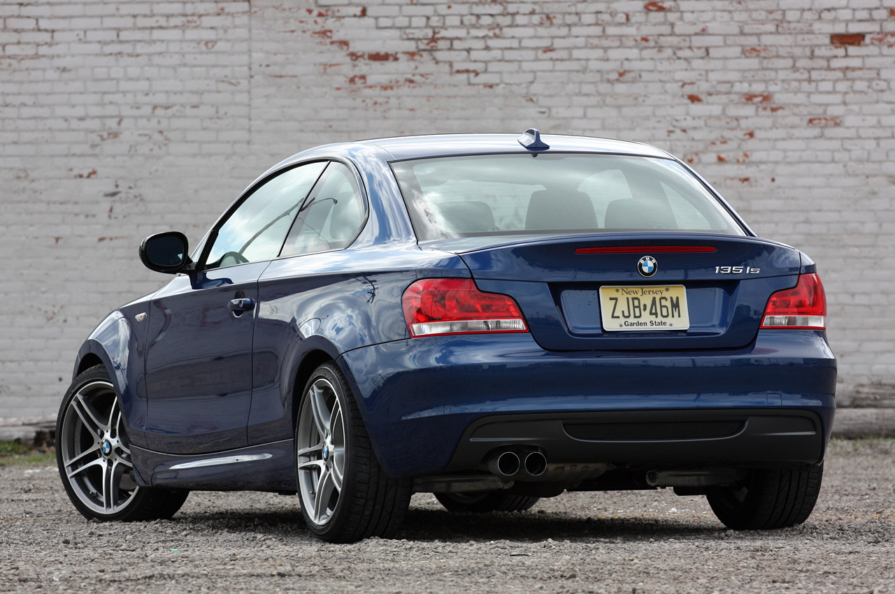 BMW 1 series 135is 2011 photo - 4