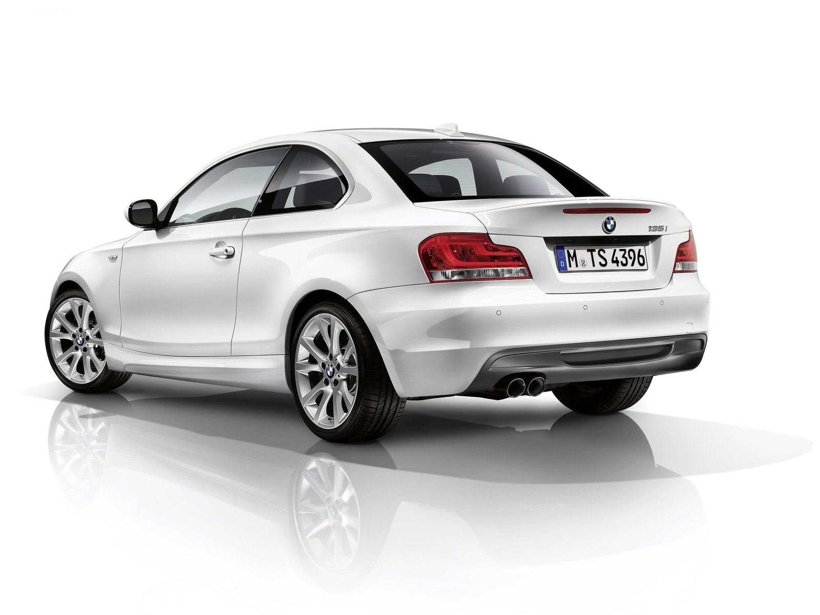 BMW 1 series 135is 2012 photo - 11