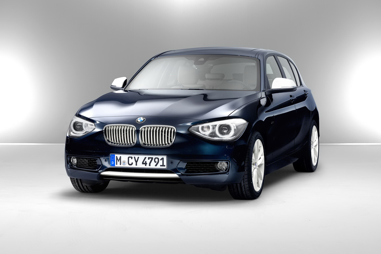 BMW 1 series 135is 2012 photo - 12
