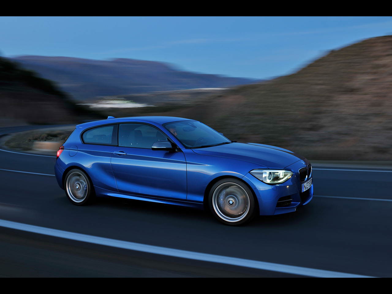 BMW 1 series M135i 2012 photo - 2