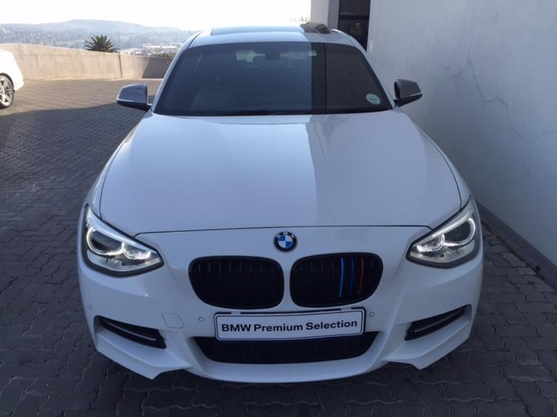 BMW 1 series M135i 2014 photo - 8