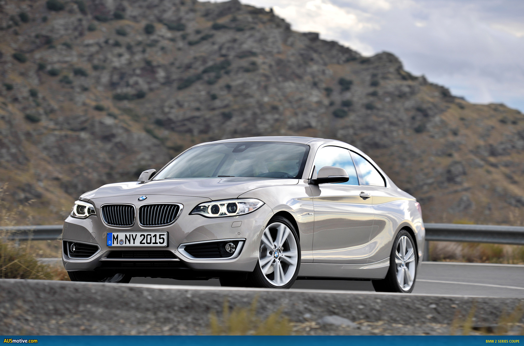 BMW 2 series 220d 2013 photo - 1