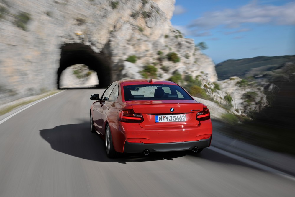 BMW 2 series 220d 2013 photo - 12