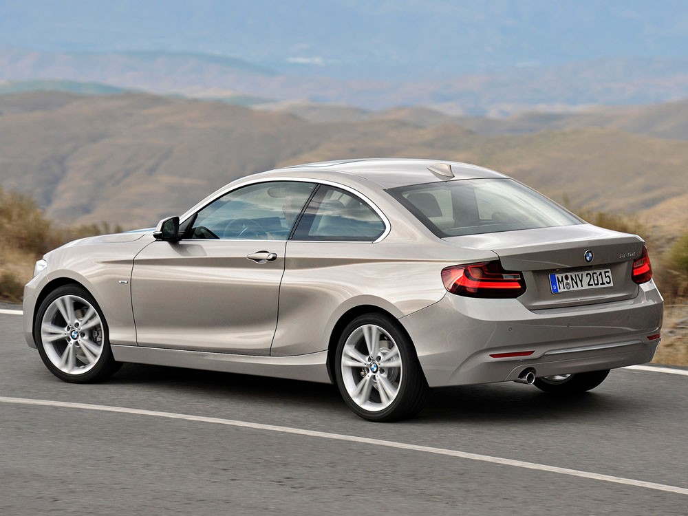 BMW 2 series 220d 2013 photo - 4