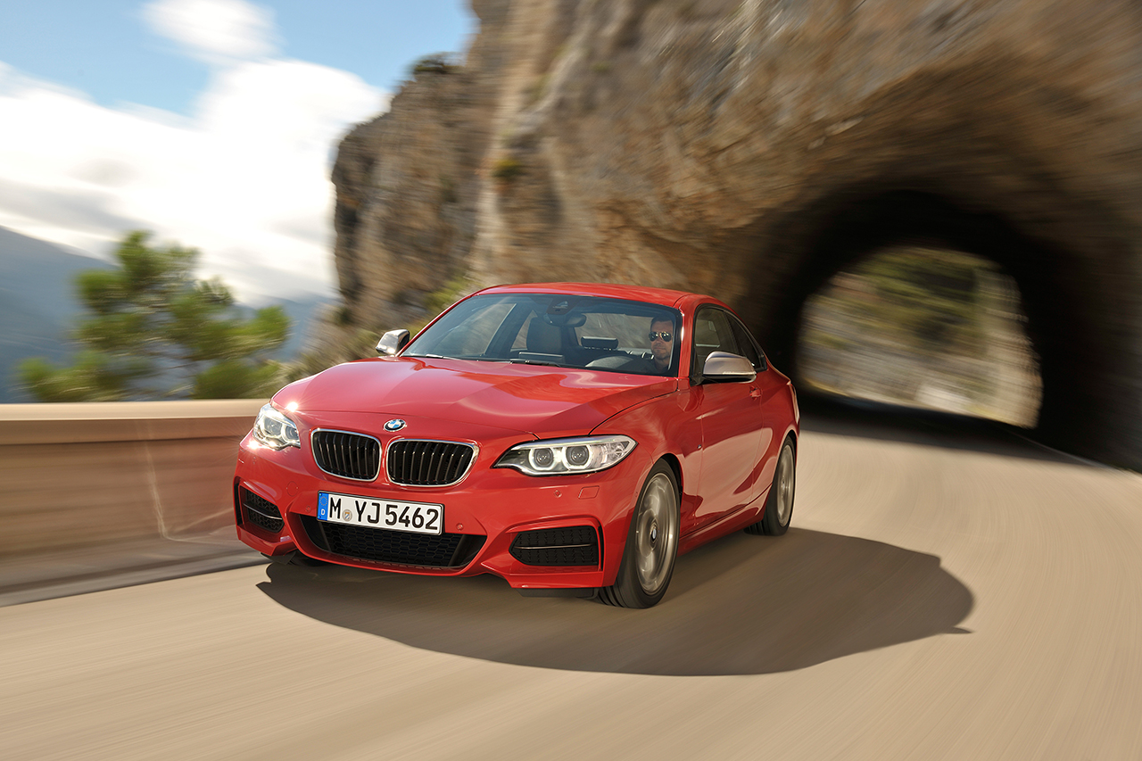 BMW 2 series 228i 2013 photo - 12
