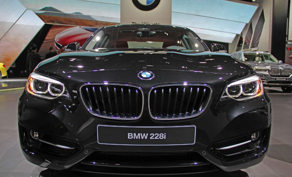 BMW 2 series 228i 2014 photo - 2