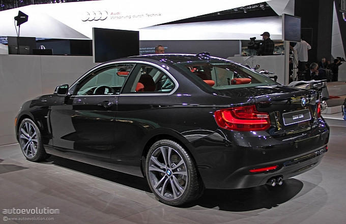 BMW 2 series 228i 2014 photo - 3