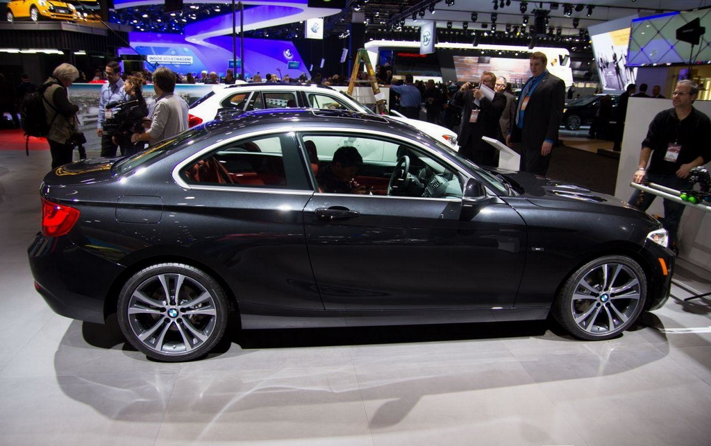 BMW 2 series 228i 2014 photo - 9