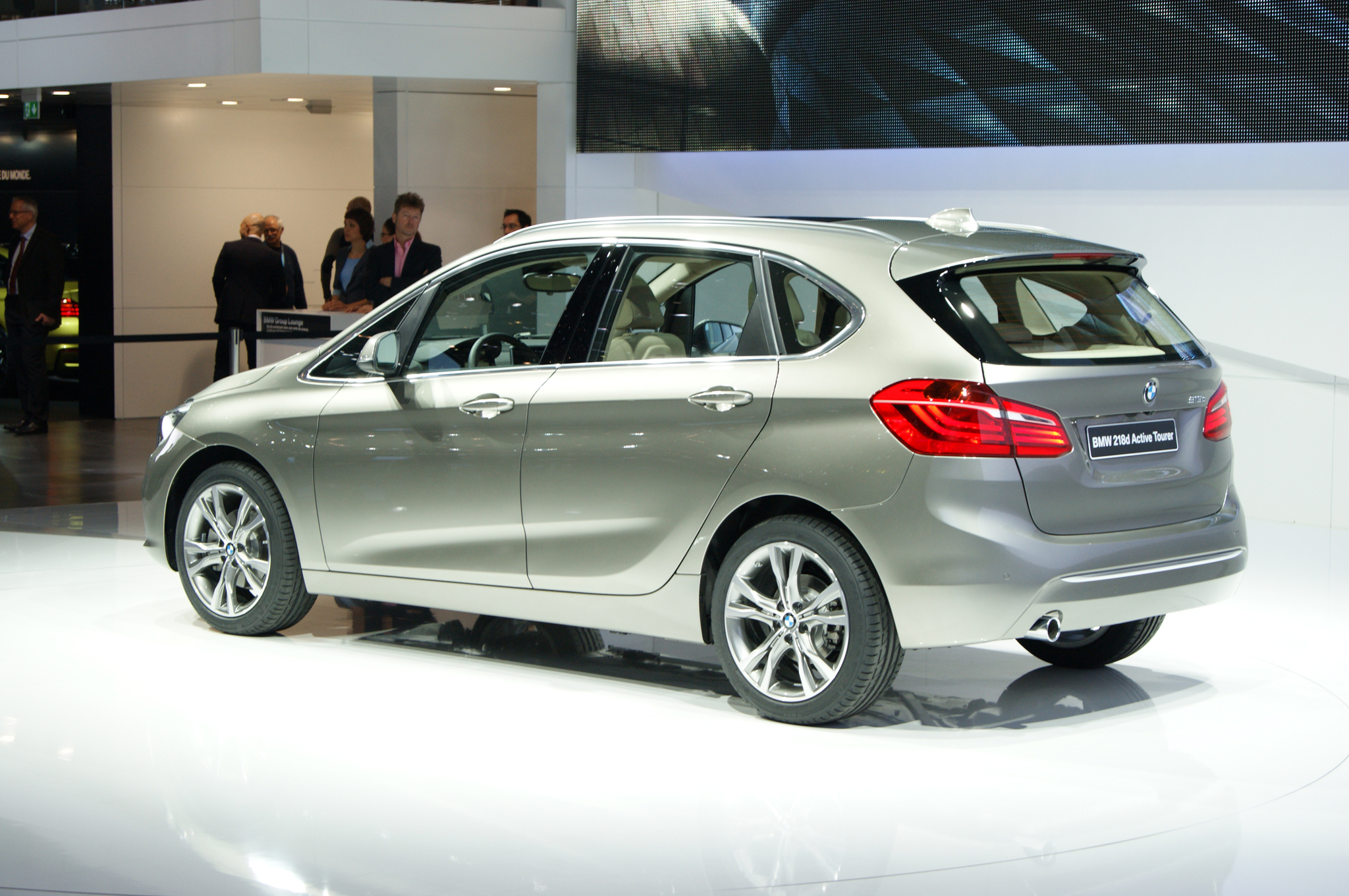 BMW 2 series Active Tourer 216d 2014 photo - 11