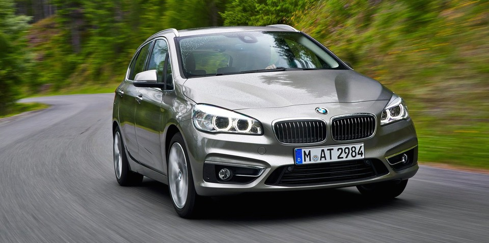 BMW 2 series Active Tourer 216d 2014 photo - 2