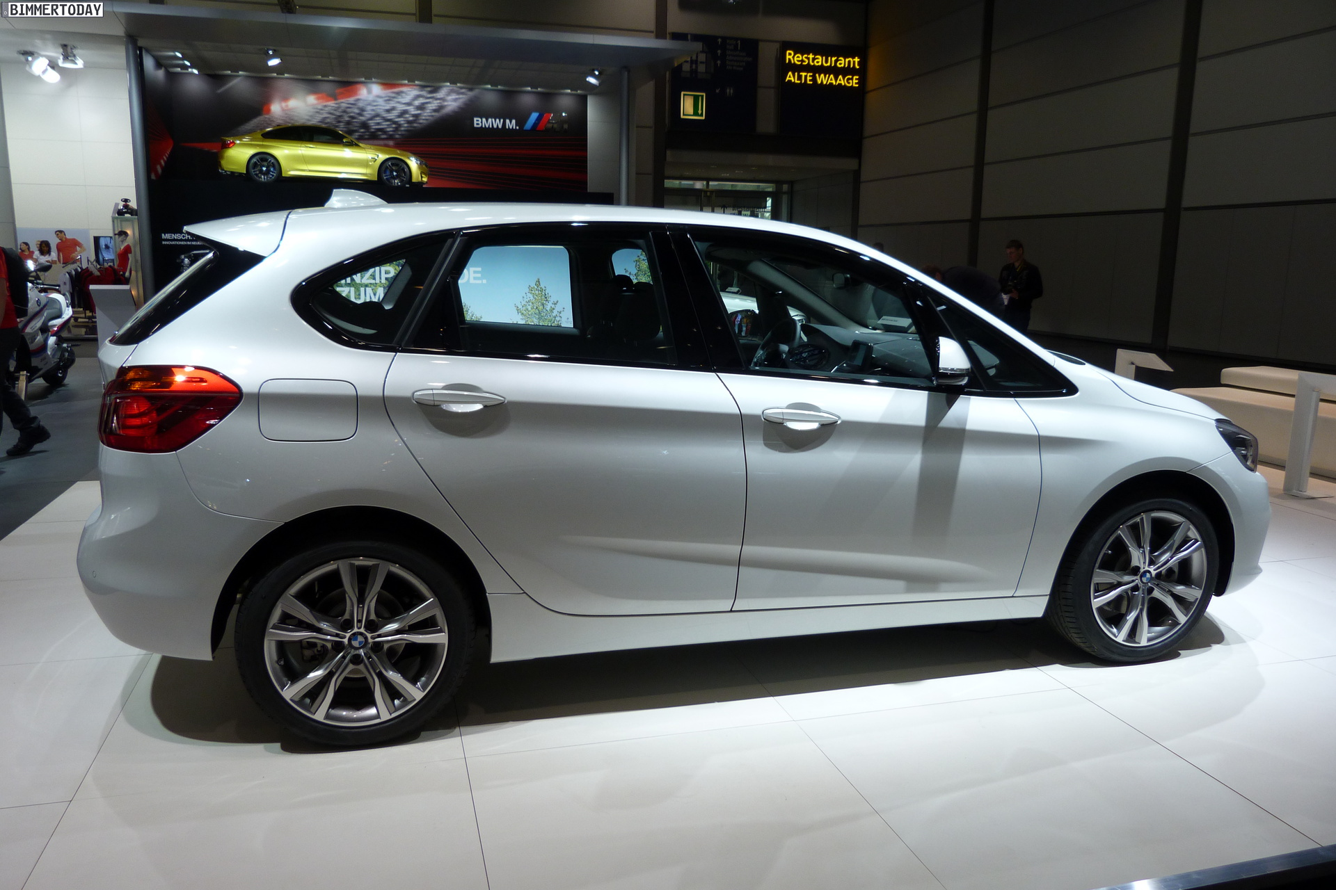 BMW 2 series Active Tourer 218i 2014 photo - 7