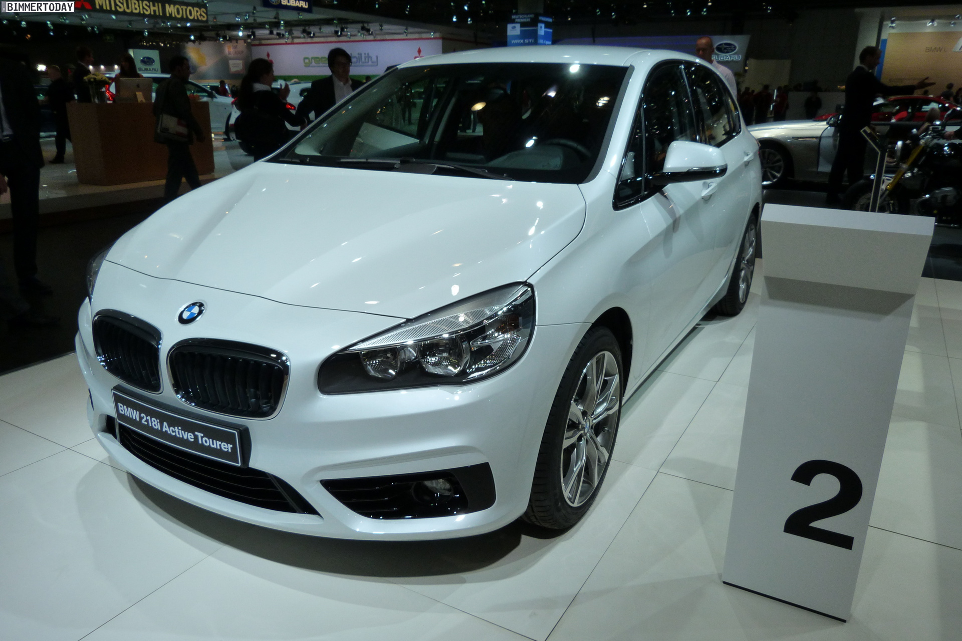 BMW 2 series Active Tourer 218i 2014 photo - 8
